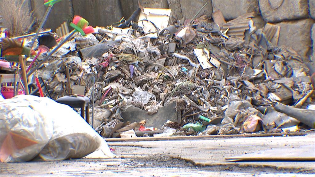 垃圾處理場大排長龍!裝修業嘆廢棄物無處倒