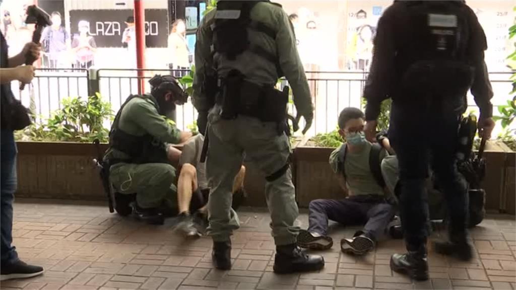 夜線/港區國安法上路掀暴亂 警民衝突逮逾300人