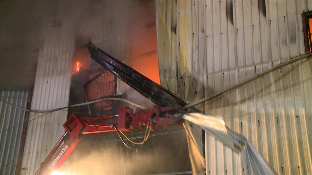 新店家具廠大火 延燒隔壁工廠1員工喪命