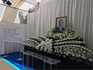 快新聞/追悼前總統李登輝 麻生太郎等多位政要赴駐日代表處致哀