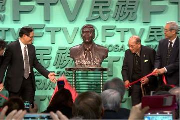 李明憲為蔡同榮製銅像   追憶老友