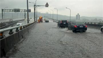 午後大雨像「用倒的」 新北各地傳零星災情