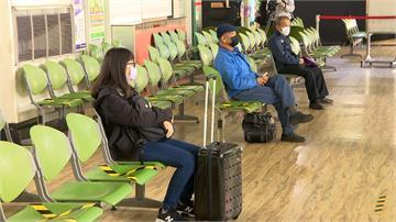 看到打叉就別坐!客運車站嚴格遵守「社交距離」規範