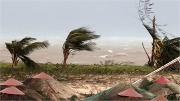 強颱玉兔肆虐 塞班島無電用、關島狂風暴雨