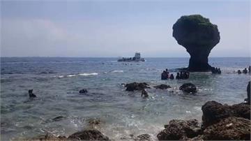 去離島體驗偽出國!遊客湧入小琉球玩水消暑