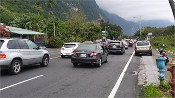 蘇花公路紫爆!警方籲民眾周日早點出發、避尖峰時段