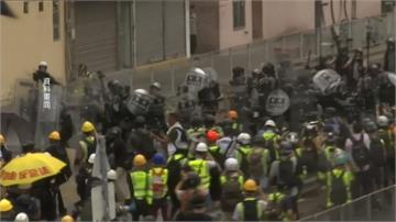 反送中/港民號召「萬人接機」譴責港警如六四殘暴