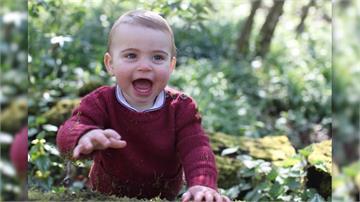 超萌!路易王子1歲生日 露牙模樣超級Q