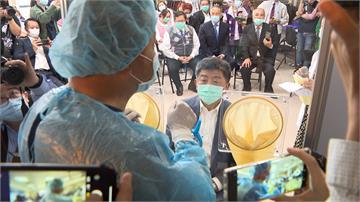 陳時中也說讚!台灣製造商超前部署 2周內研發「移動式檢查屏風」