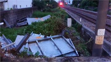 消失的月台!打開車門就是大水溝 台南大橋站好危險