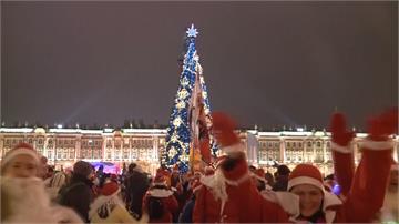 千名耶誕老人上街頭!俄羅斯變裝路跑