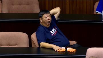 曾對陳瑩襲胸!陳雪生遭控性騷慣犯