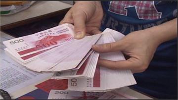 振興抵用券「先消費才回饋」 民眾、業者反應冷淡