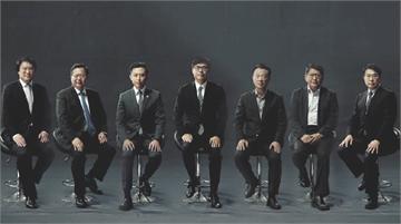 快新聞/綠營縣市長合體挺陳其邁 西裝筆挺坐一排氣勢催票