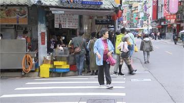 疫情影響生意下滑5成!永康商圈串連近60個店家推優惠券自救