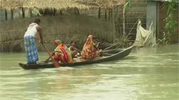 武漢肺炎、暴雨雙襲 印度百萬人撤離避難