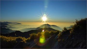 脊梁山脈旅遊年 觀光局揪民眾爬山