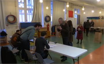 法國地方選舉如期舉行 選民保持距離避交叉感染
