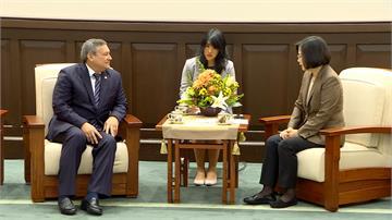 蔡英文接見關島總督卡佛 盼深化雙方經貿觀光