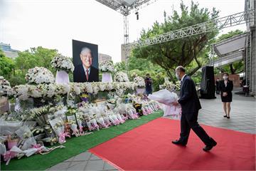 快新聞/追思李登輝 累計逾7000人赴台北賓館悼念