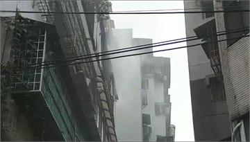 快新聞/北市文山區公寓今晨二級火警 疑提前回來過母親節…子卻命喪火窟母命危