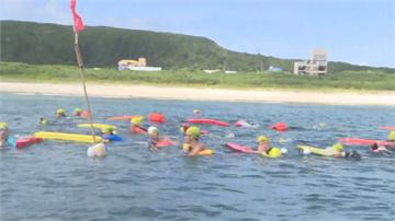 快新聞/一度因疫情受阻! 第5年綠島海上長泳登場 吸引900人一睹水下美景