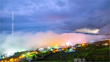 雨後阿里山琉璃光!七彩雲霧籠罩小鎮
