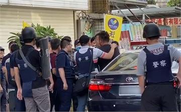 快新聞/新竹警匪對峙兩小時 親友溫馨喊話終棄械投降