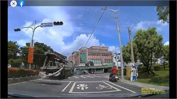 絕命終結站?車遭追撞被漂移成「三明治」