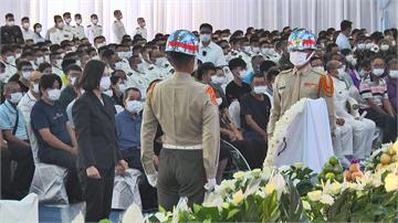 快新聞/海陸公祭蔡英文頒褒揚令 殉職隊員靈前三鞠躬哀悼