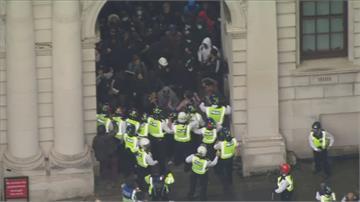 英響應反歧視 抗議釀警民衝突