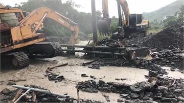 高雄山區豪大雨 六龜土石泥流道路中斷