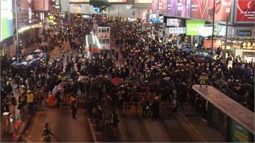 反送中/香港將軍澳遊行入夜不散 鎮暴警發射催淚彈驅離