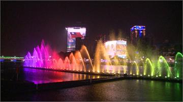 耶誕夜觀光新去處 愛河水舞秀浪漫滿點