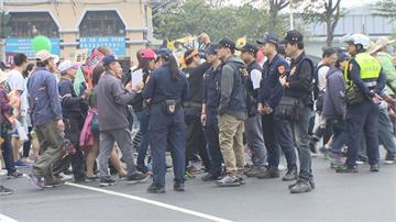 罷韓、挺韓港都對陣短兵相接!3千警交通熱點維安