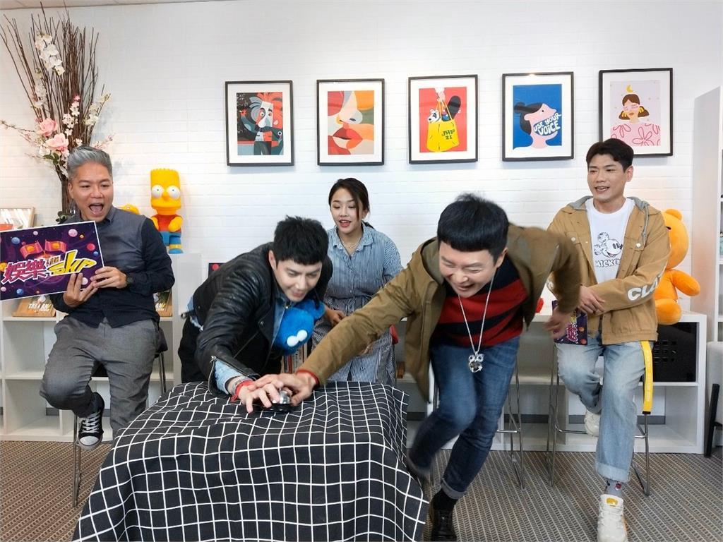 王燦頂栗子頭錄《娛樂超skr》 開心被叫實習生