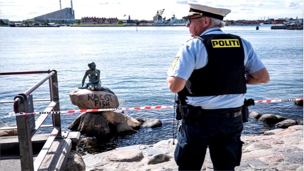 丹麥「小美人魚像」遭噴漆 遭控是「種族歧視魚」
