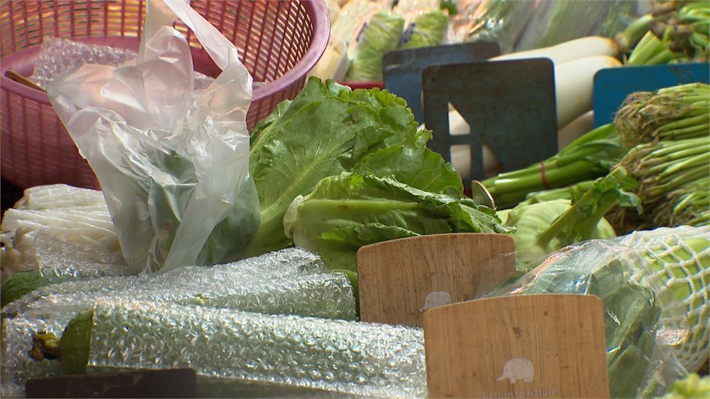 蔬菜因大雨轟炸現水傷 進貨量減菜價最高漲5成