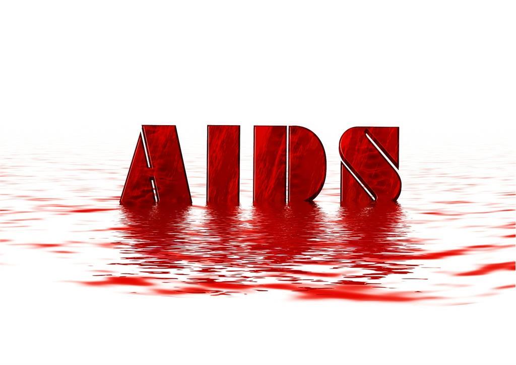 隱瞞愛滋病情與他人性交獲判無罪 法院認無傳染力