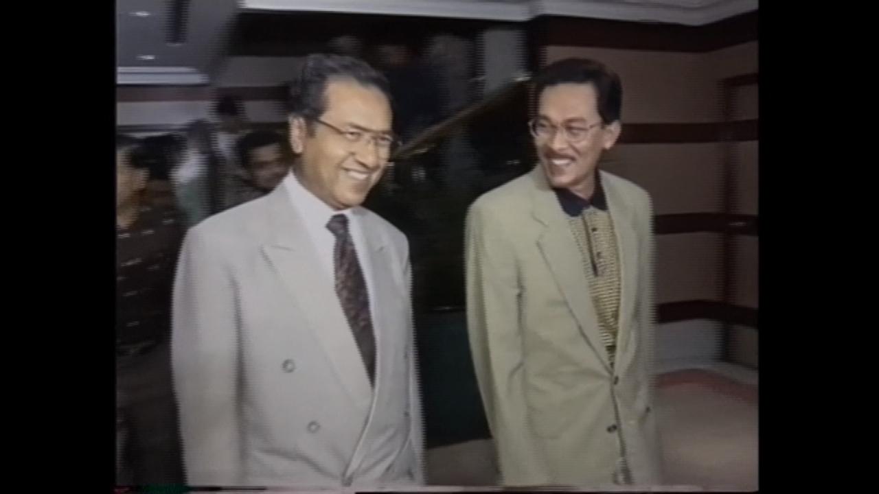 馬哈地贏得國會大選  特赦在野黨領袖安華