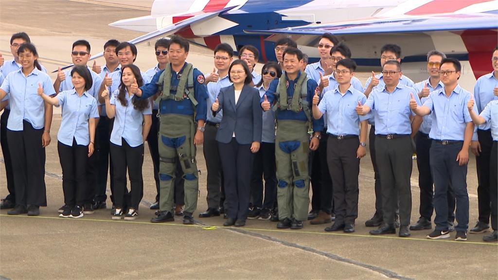 國機國造航太史里程碑!勇鷹高教機首次升空