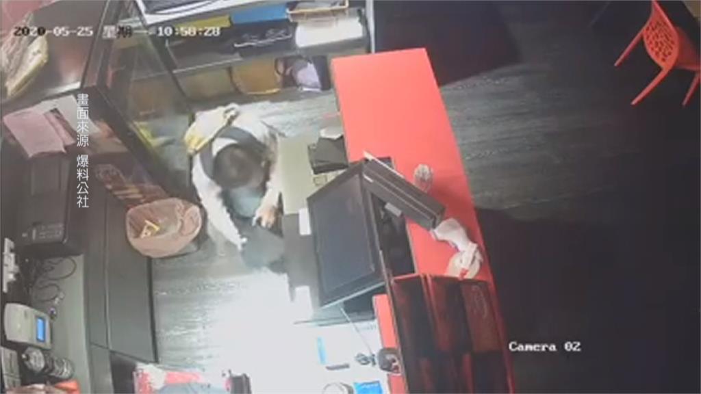 孫東寶牛排店開店前遭竊!斯文慣犯偷竊足跡遍全台