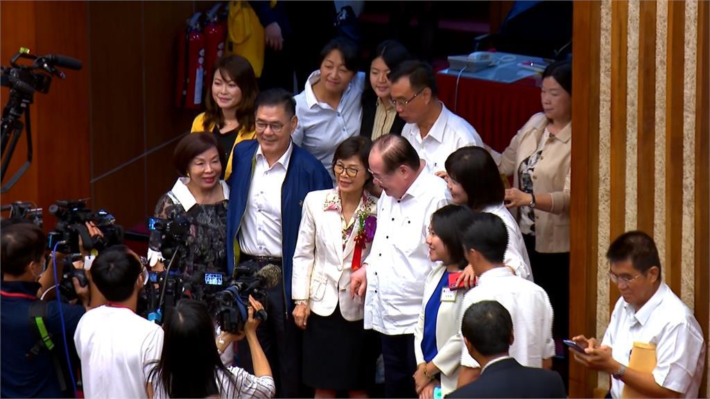 不滿曾麗燕任議長? 國民黨團群組爆退出潮