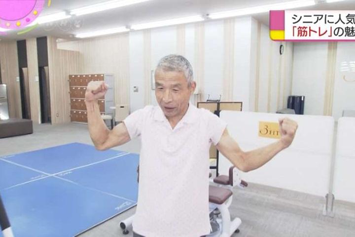 日銀髮族勤練身體養生 擠爆健身房身心更開朗