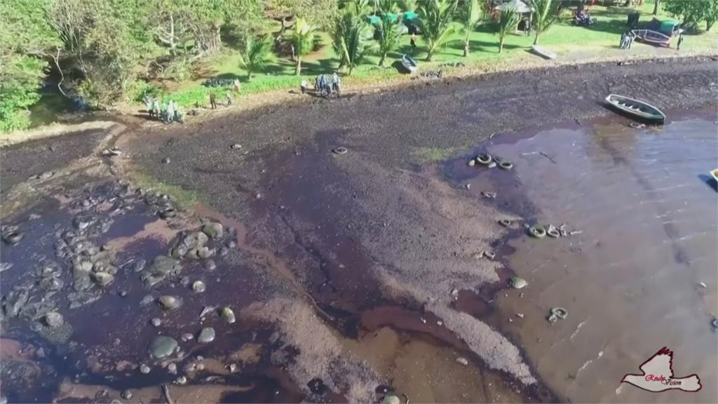 漏油染黑模里西斯外海釀生態浩劫 法國派軍艦馳援