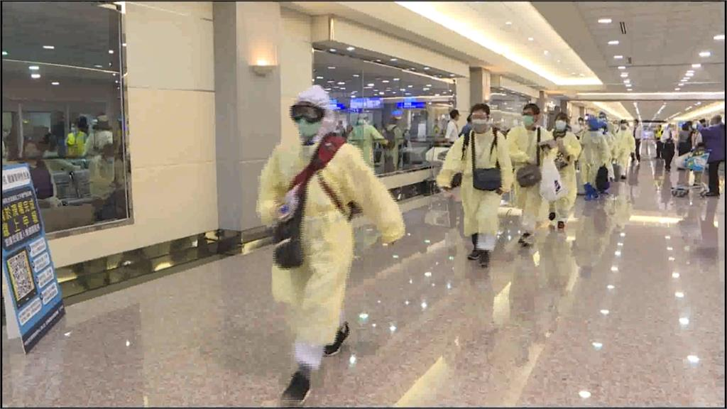 1.5萬中生「類包機」返台? 陳時中:需評估中國疫情