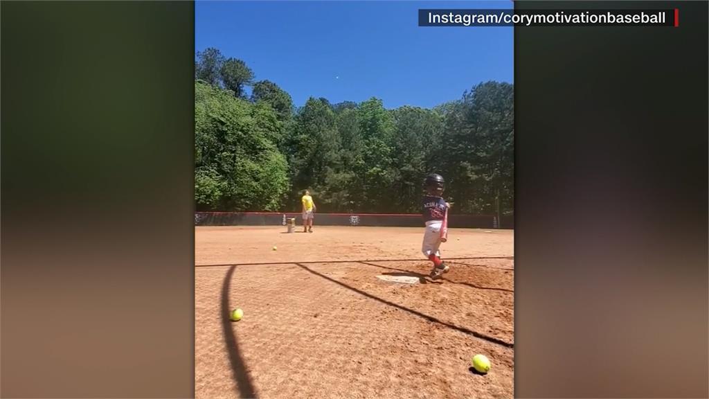 4歲棒球神童首轟全壘打引媒體關注!釣出偶像來按讚