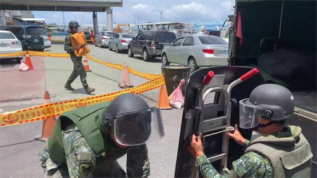 台東漁民撈到「未爆彈」急返航 軍方帶回處理