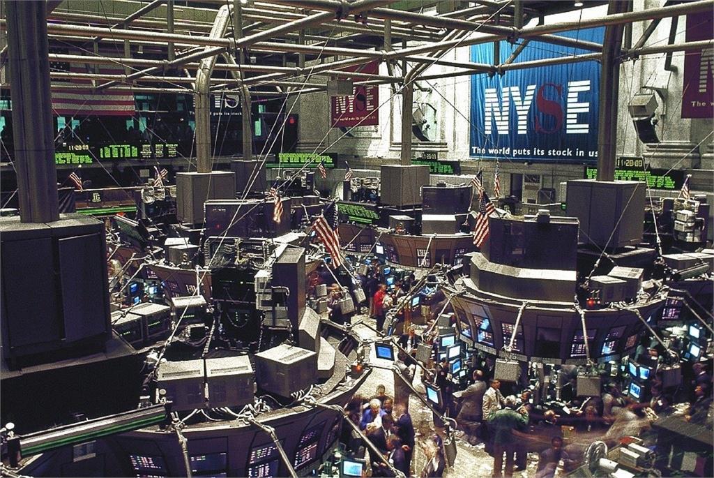 快新聞/美股開盤漲了又跌 道瓊漲逾400點後又下滑至120點