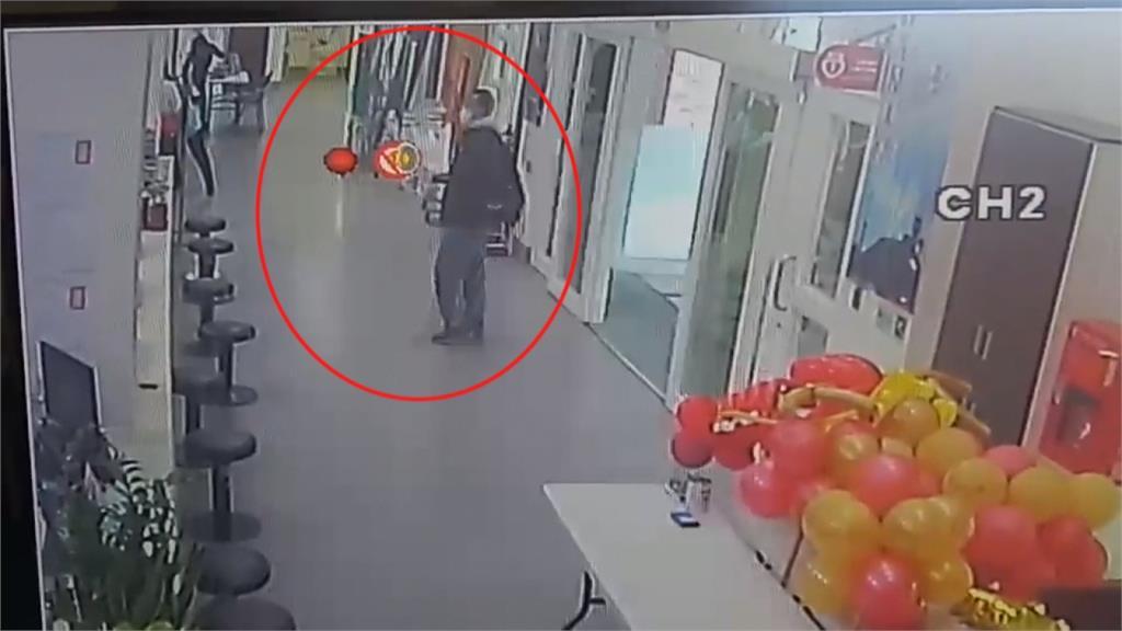 男子中國返台身無分文沒車搭 徒步40里體力不支求助公所